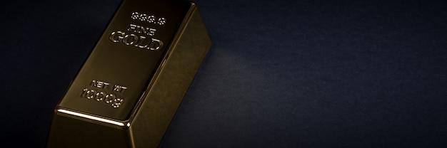 Euro cash et lingot d'or. billets de banque argent. facture. lingot. bullion.