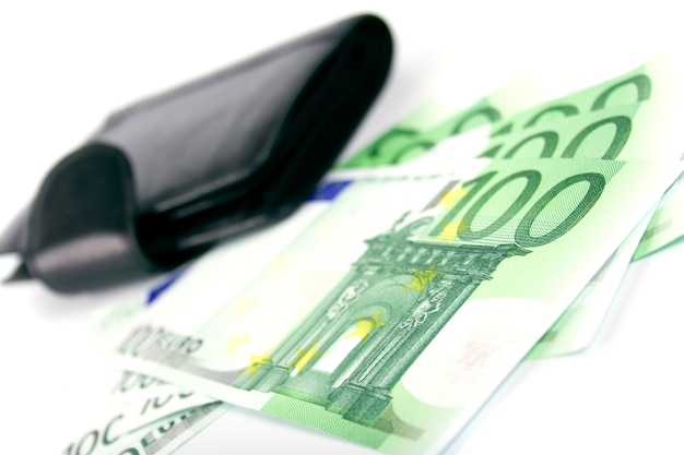 Euro et un sac à main en cuir