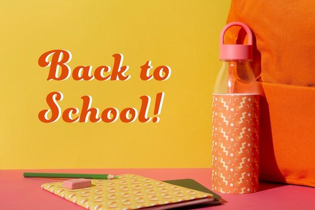 Événement de retour à l'école avec bouteille d'eau