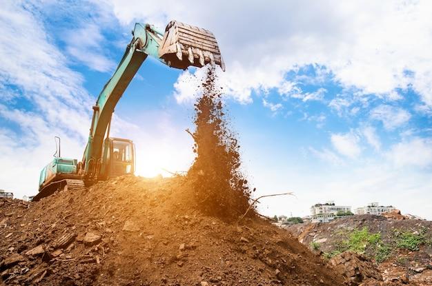 Excavatrice en action