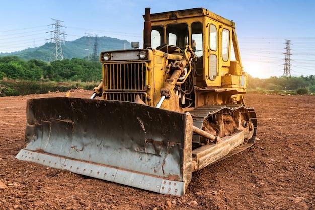 Excavatrice sur le site