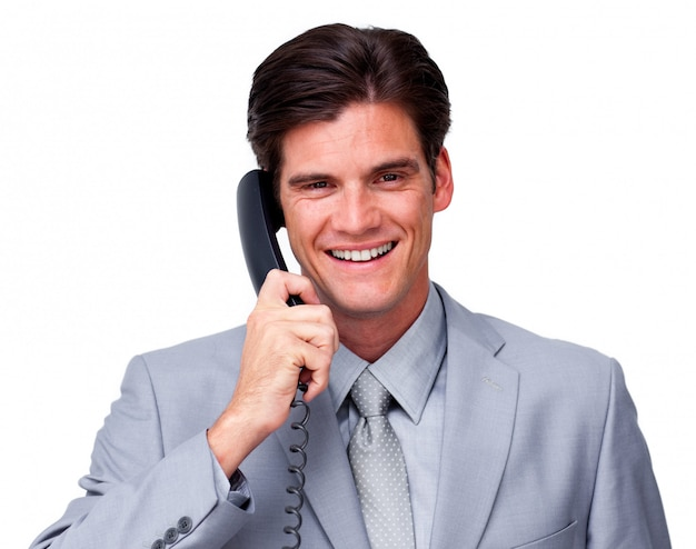 Exécutif masculin positif sur le téléphone