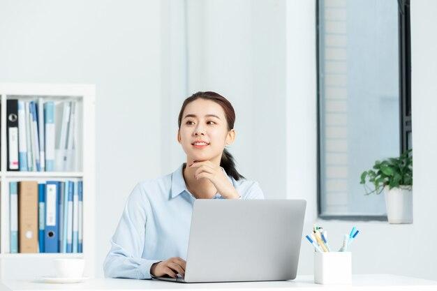 Executive business woman dans un bureau