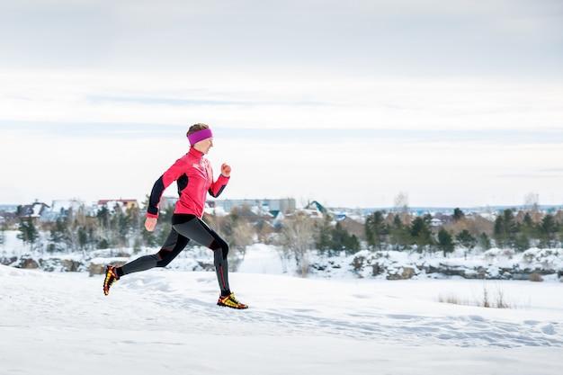 Exercice de course en hiver