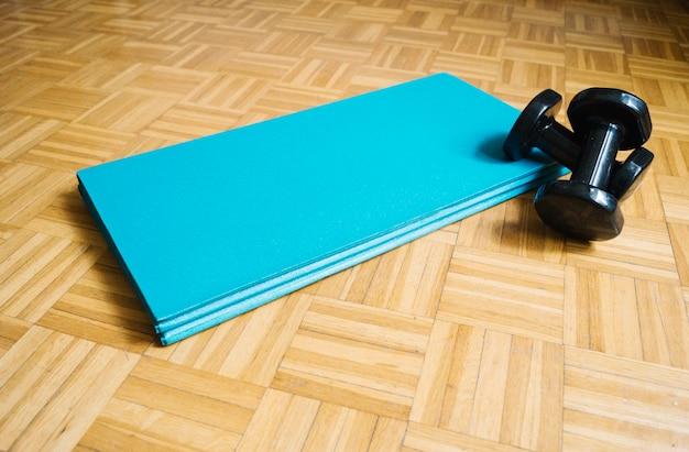 Exercices et haltères