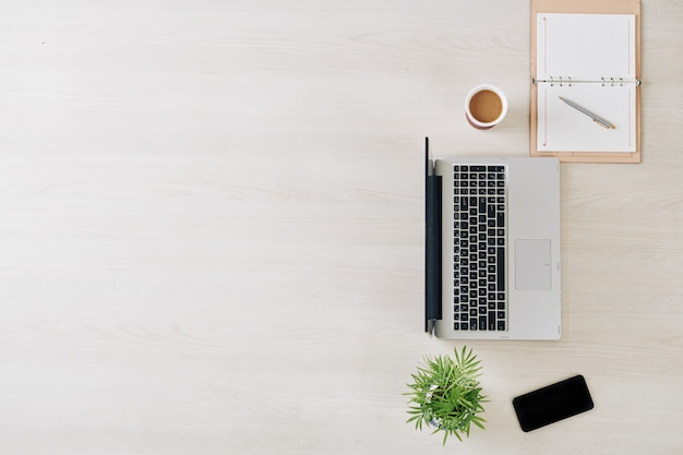 Expérience en affaires et en entrepreneuriat