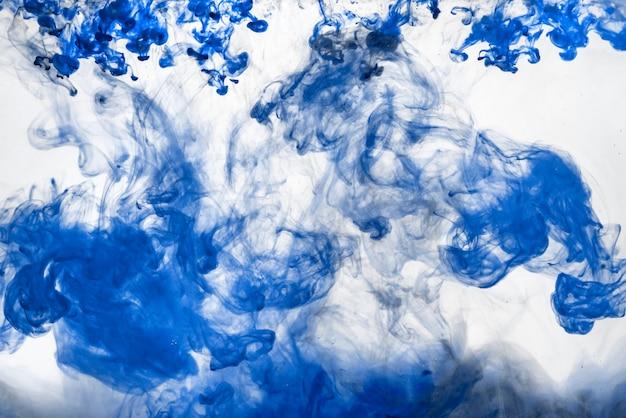 L'explosion de mouvement d'encre de couleur de l'eau, peinture de fond de couleur abstraite dans l'eau, art liquide