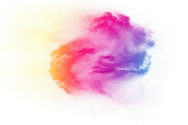 Explosion de poudre colorée sur blanc