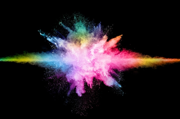 Explosion de poussières colorée abstraite sur une poudre noire.abstrait éclaboussée.