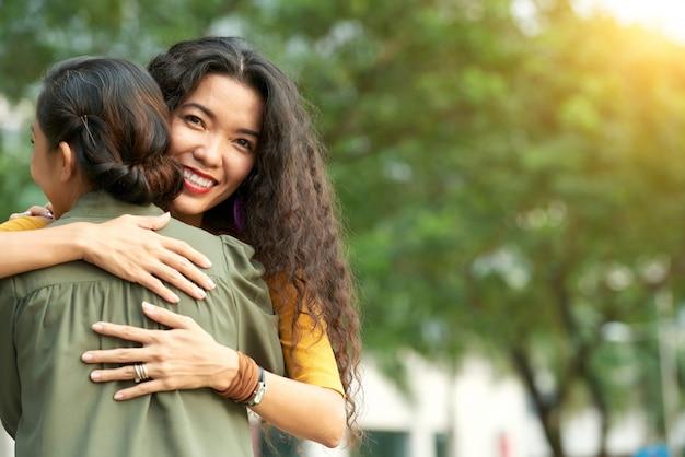 Exprimer l'amour à maman mature