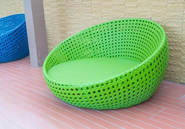 Extérieur avec chaise cercle