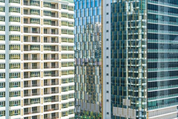 Extérieur de la fenêtre abstraite de l'architecture du bâtiment
