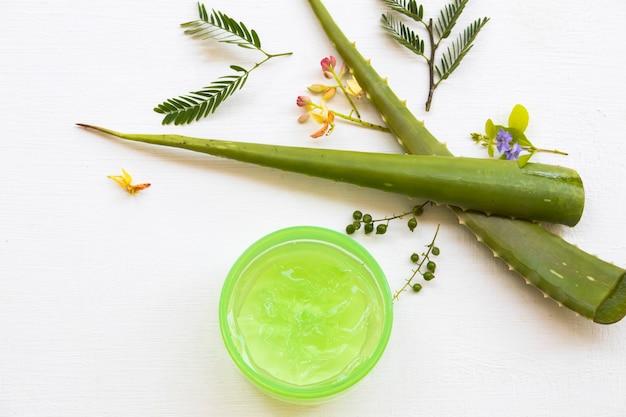 Extrait de gel apaisant à base de plantes cosmétiques naturels aloe vela à base de plantes