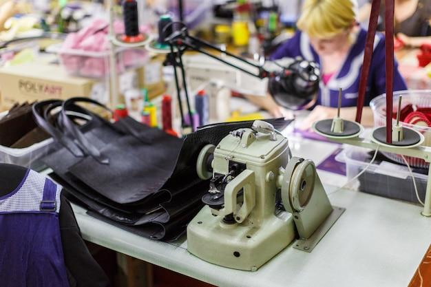 Fabrication de sacs à main