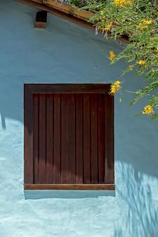 Façade de maisons de la place qadrado, bahia