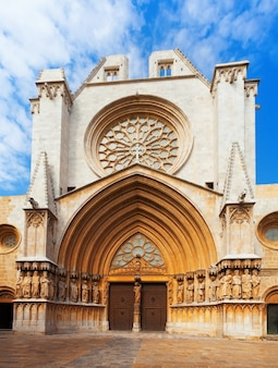 Façade principale de la cathédrale de tarragone