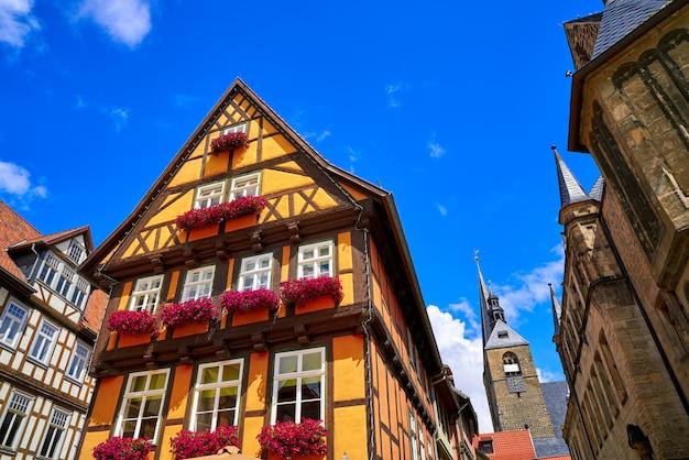 Façades de la ville de quedlinburg dans le harz en allemagne