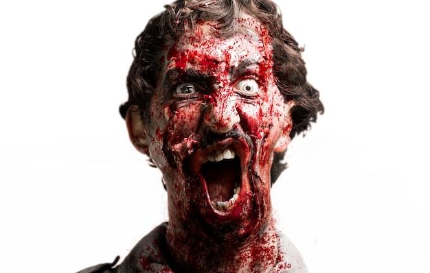Face zombie en colère