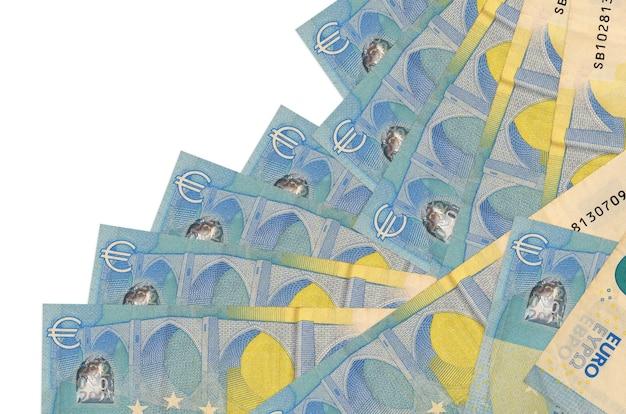 Les factures de 20 euros se trouvent dans un ordre différent isolé sur blanc. banque locale ou concept de fabrication d'argent.