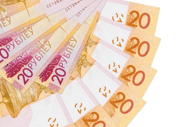 Factures de roubles biélorusses se trouve isolé sur blanc