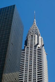 Faible angle de vue du chrysler building, midtown, manhattan, new york, état de new york, états-unis