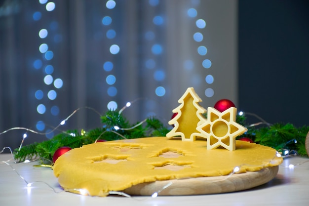 Faire des biscuits traditionnels au pain d'épice de noël