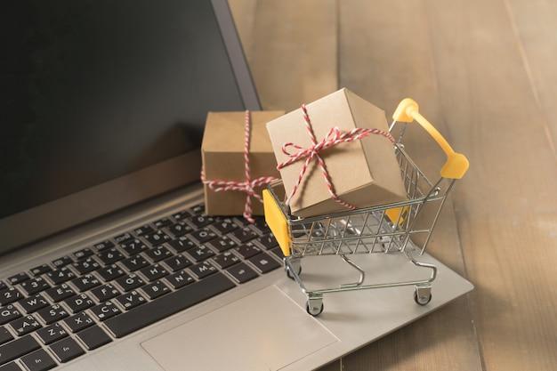 Faire du shopping en ligne