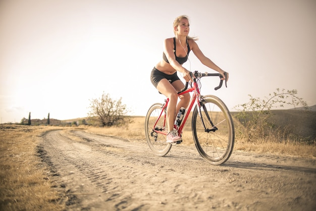Faire du vélo à la campagne