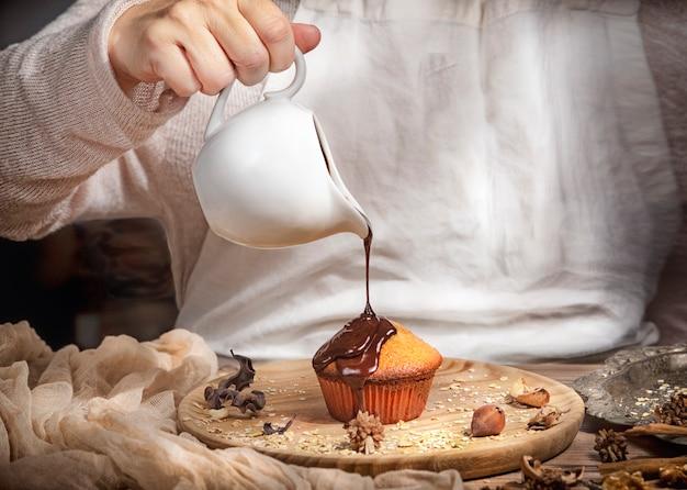 Faire des muffins et du chocolat