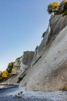 Falaise de craie danoise møns klint, île de møn dans la mer baltique