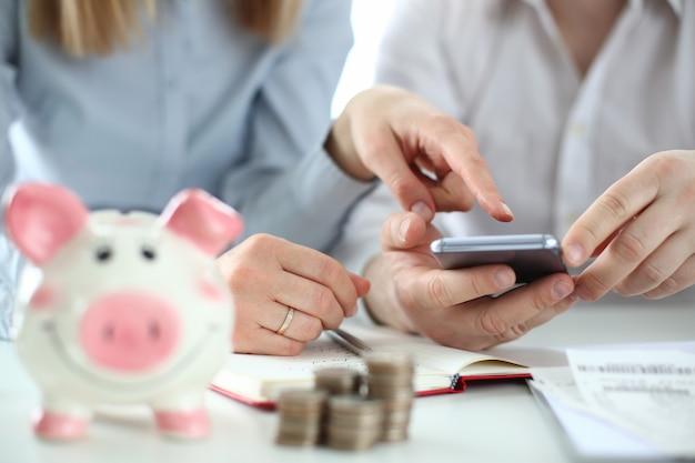 Famille de concept de comptabilité financière d'entreprise