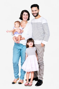 Famille heureuse sur fond blanc