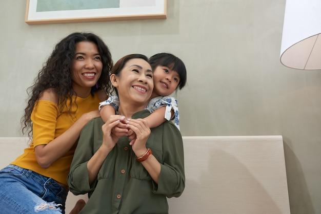 Famille joyeuse