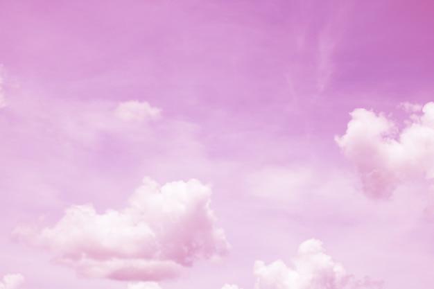 Fantaisie et vintage nuage dynamique et ciel avec texture grunge pour le fond
