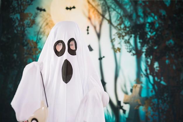 Fantasme effrayant au cimetière