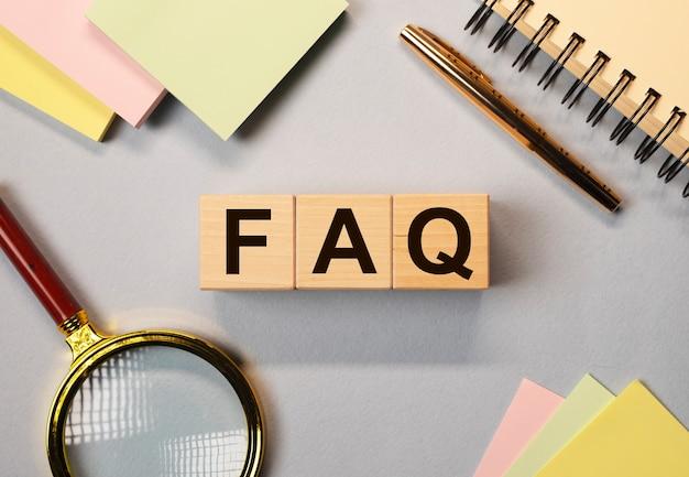 Faq et q concept de questions et réponses dans les affaires et l'éducation.