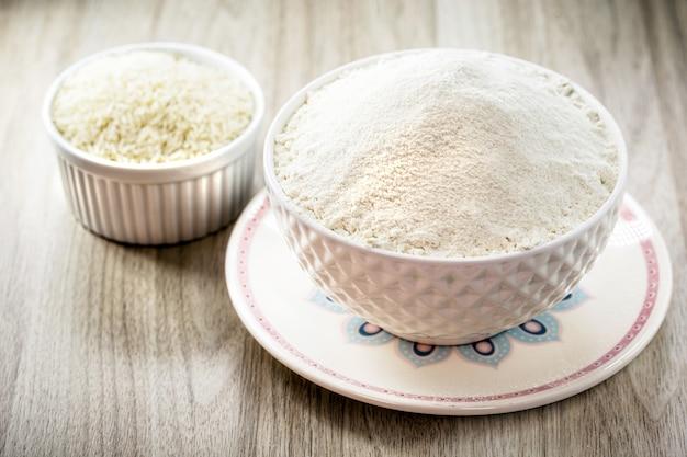 Farine de riz, farine alternative utilisée comme ingrédient de cuisine sans gluten