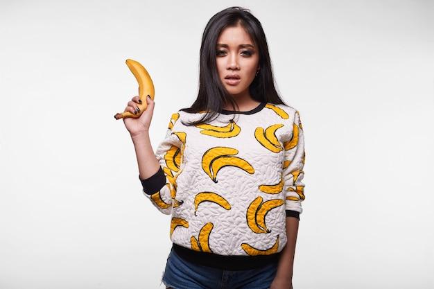 Fashion swag portrait de belle femme asiatique élégante
