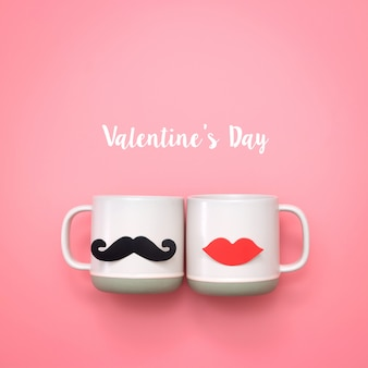 Fausses lèvres et décoration de moustaches sur une tasse rose. valentin et concept de mariage.
