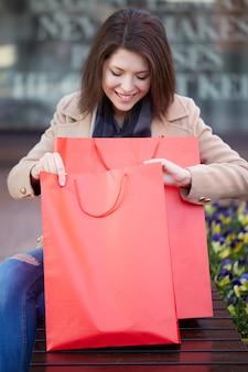 Femme, achats, centre commercial