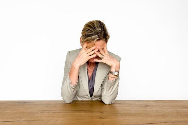 Femme adulte, émotion de dépression triste