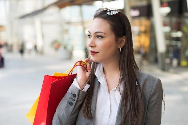 Femme affaires, achats