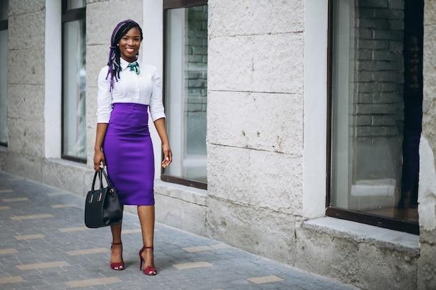 Femme d'affaires américaine afro