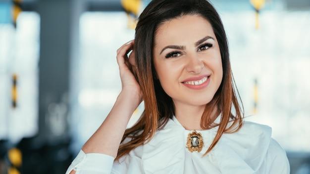 Femme d'affaires. femme leader forte et réussie