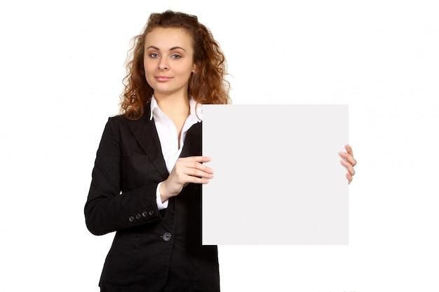 Femme d'affaires avec plaque vierge