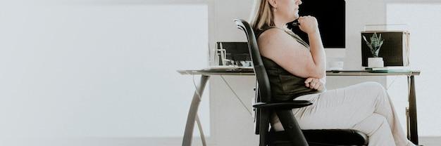 Femme affaires, séance bureau