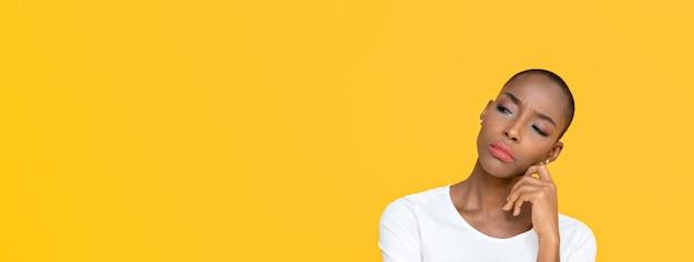 Femme afro-américaine, s'ennuyer
