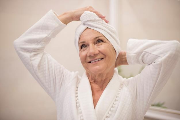 Femme aînée, à, les, spa