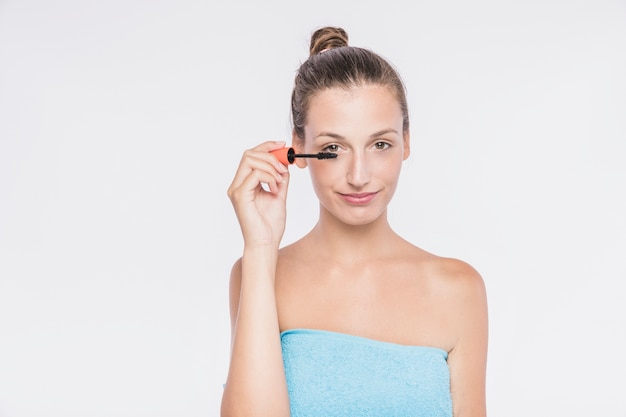 Femme, application, cils, mascara