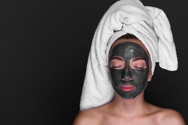 Femme, apprécier, soin peau